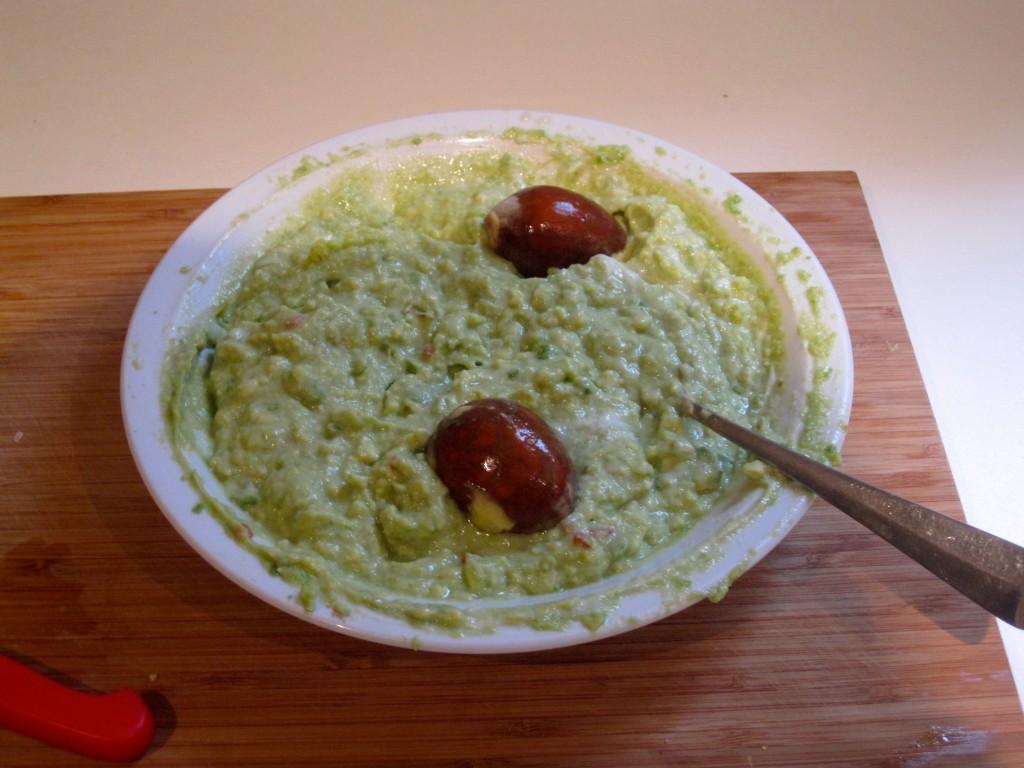 Feesthapje avocado scampi: Guacamole