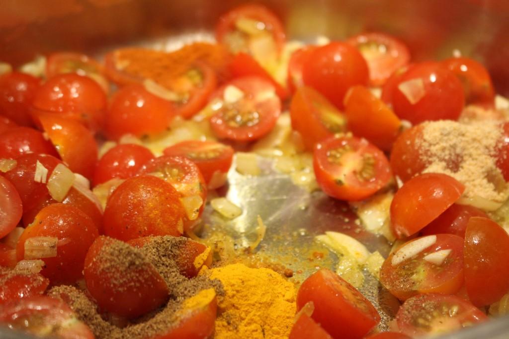 Tomatencurry maken