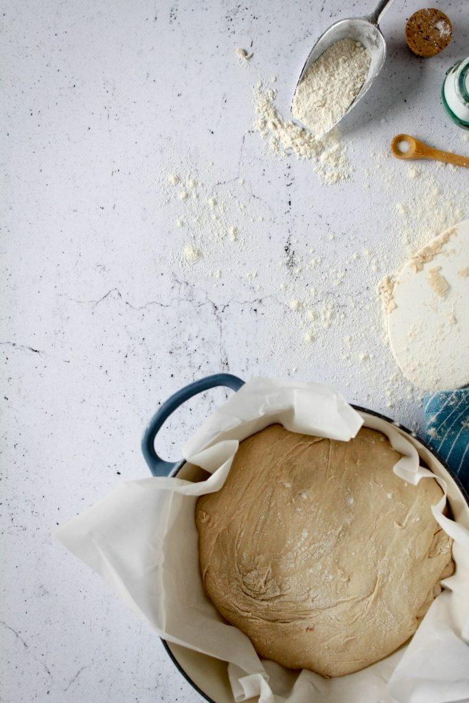 Deeg in warme casserole laten vallen / www.eenlepeltjelekkers.be