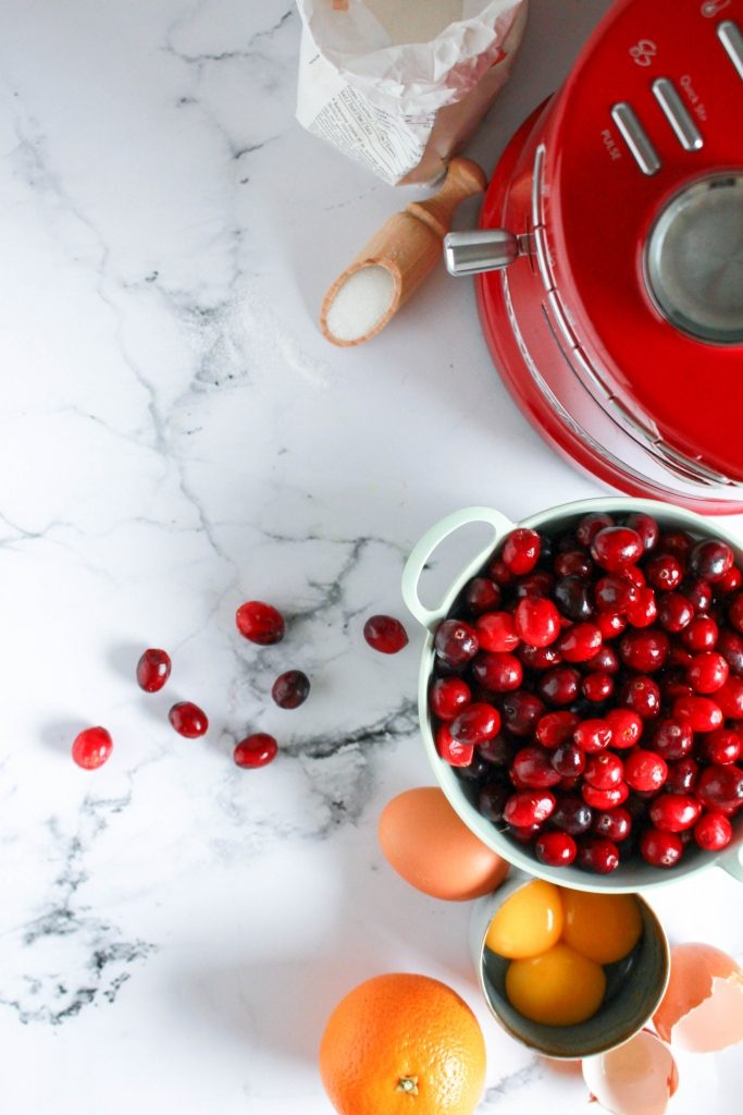 Making a cranberry curd tart with oreo base in the Kitchenaid Cookprocessor / Veenbessentaart met oreo's in de KitchenAid cook processor / www.eenlepeltjelekkers.be