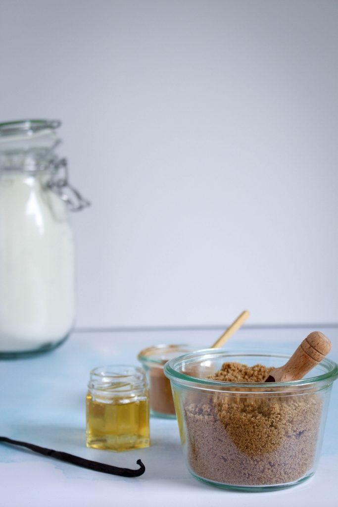 Bruine suiker, honing, vanille en kaneel / www.eenlepeltjelekkers.be