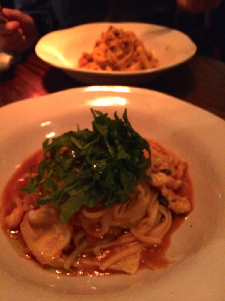 Linguini met scampi, tomaat en rucola bij Jamie's Italian