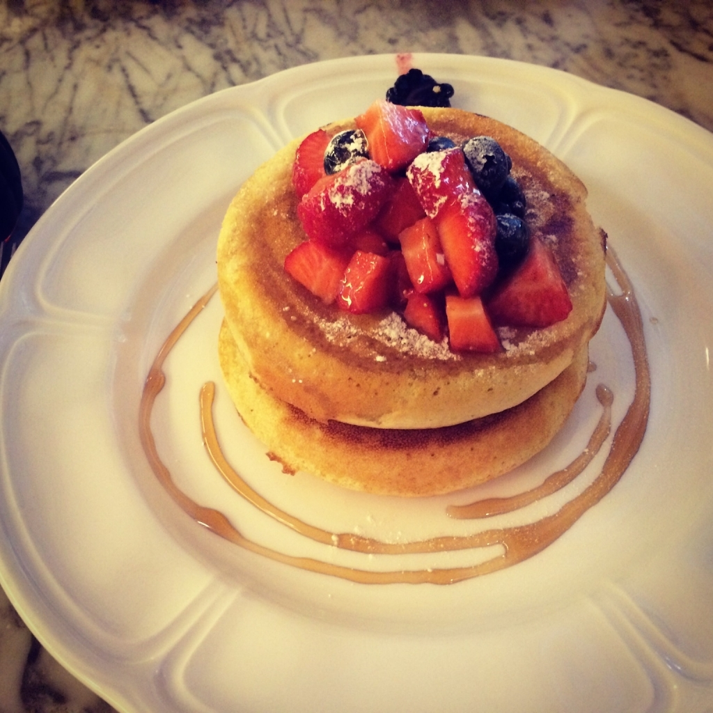 "Ontbijt bij Lanes of London: pancakes with ""seasonal"" berries"