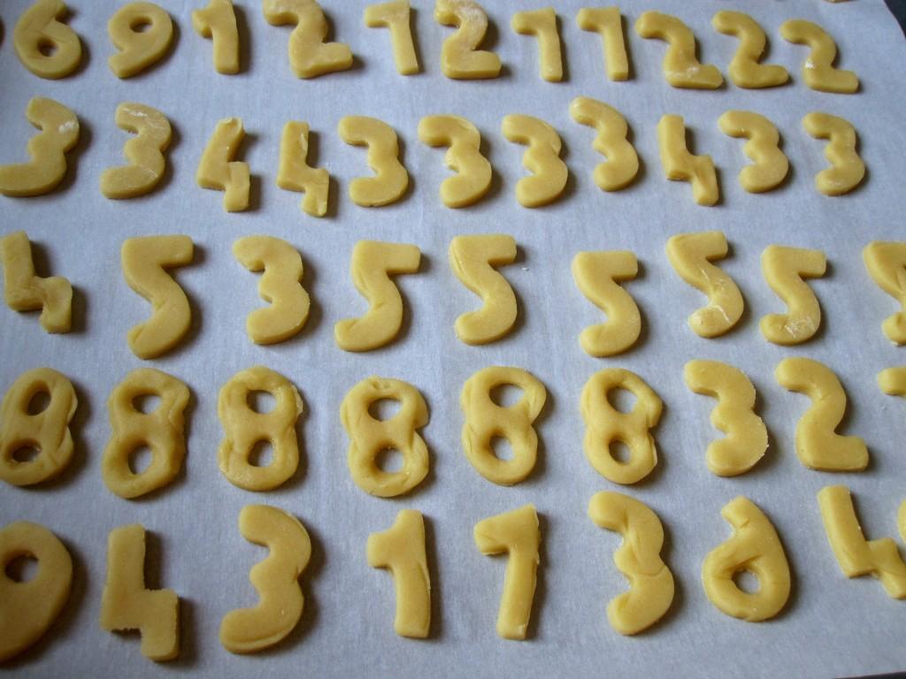 koekjes sinterklaas: cijferkoekjes en letterkoekjes maken
