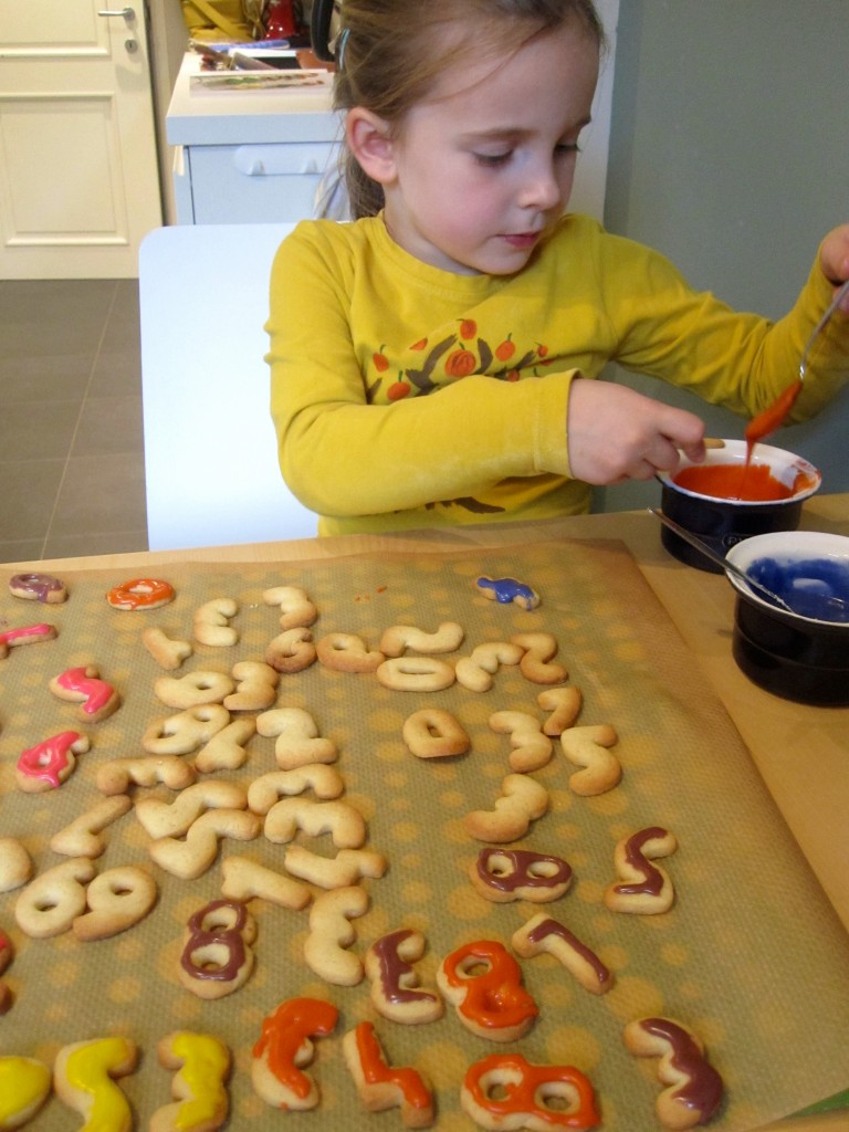 koekjes sinterklaas: cijferkoekjes en letterkoekjes voor sinterklaas glazuren