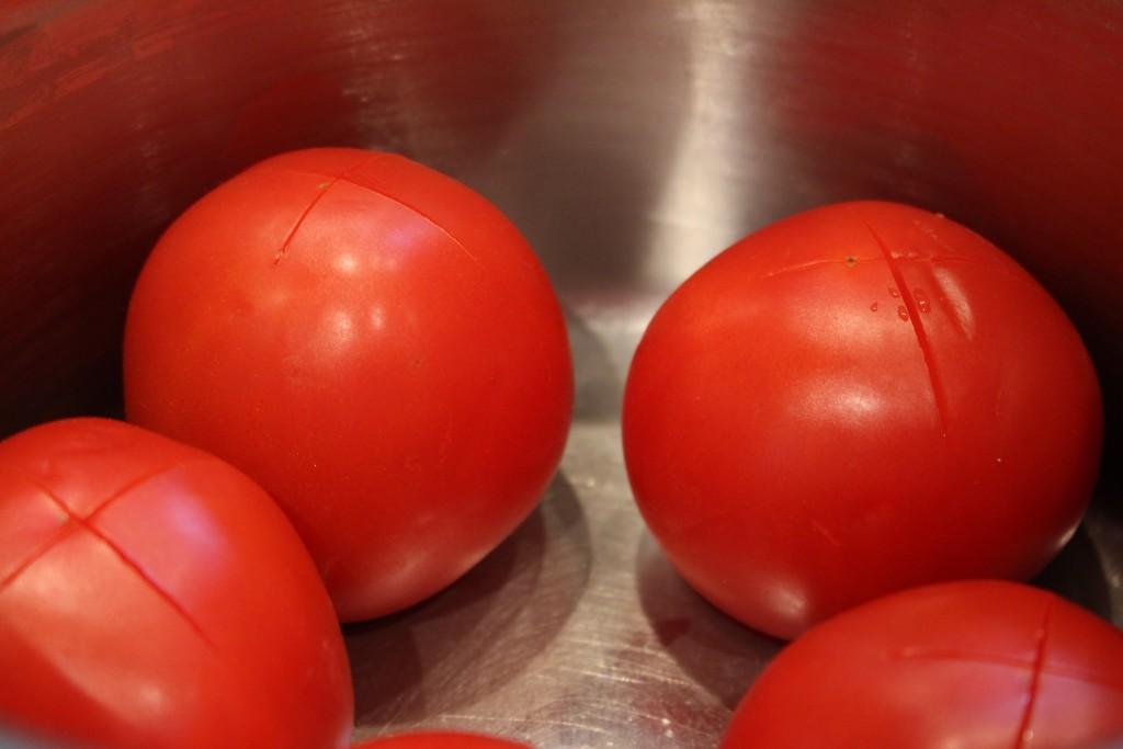 Tomaten ontvellen