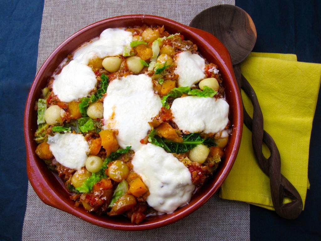 Ovenschotel met gnocchi, savooi en venkelworstjes