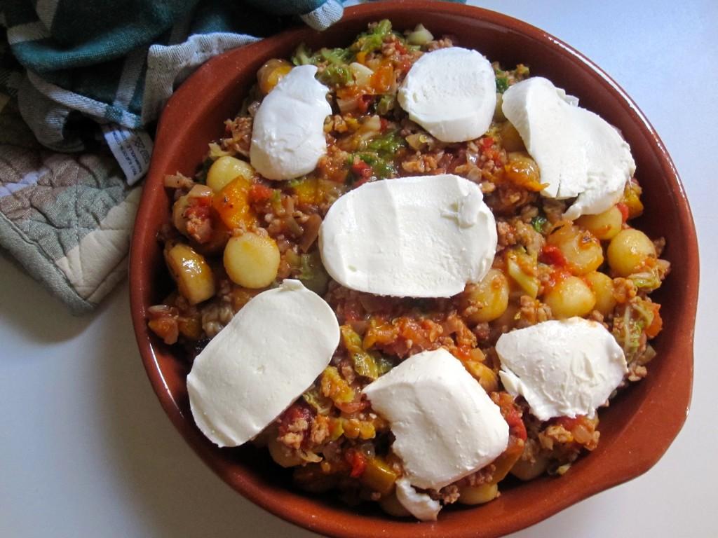 Ovenschotel met gnocchi, savooi en gehakt
