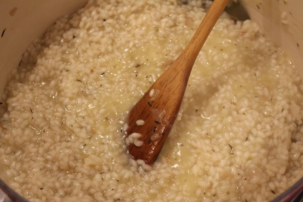 Rijst blussen met witte wijn