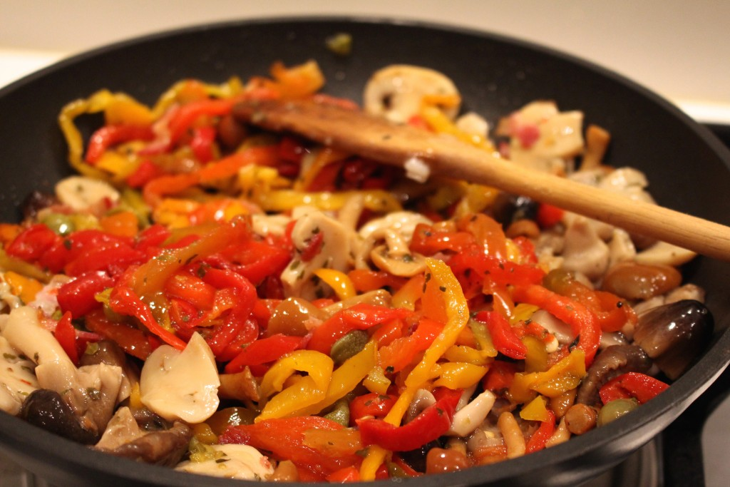 Champignons en paprika aanstoven