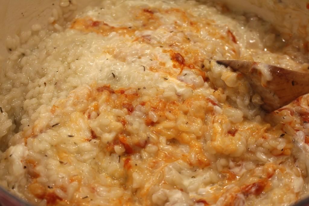 Pindjur door de risotto roeren