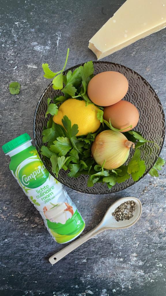 Room, peterselie, citroen, eieren, ui en parmezaan / www.eenlepeltjelekkers.be