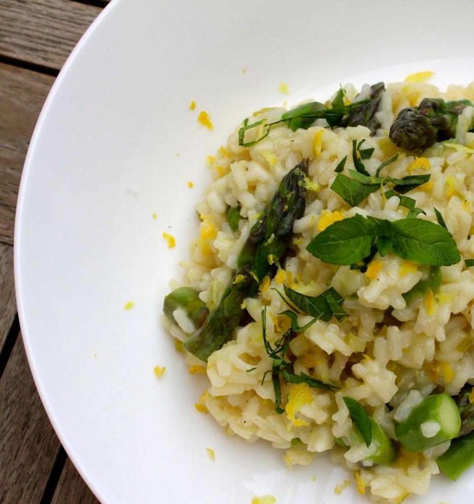 Zes onmisbare recepten met asperges: Risotto met groene asperges en munt