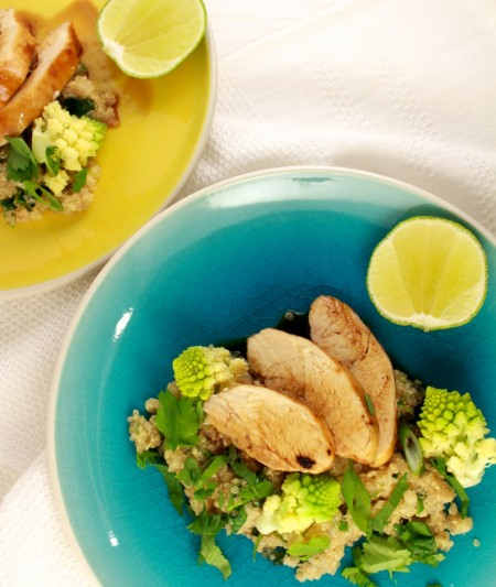 Gelakte kip met quinoa en romanesco