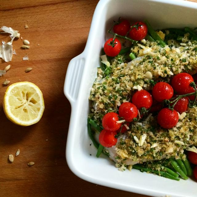 Gezond eten begint met gezond verstand: Vis met een korstje, boontjes en tomaten / www.eenlepeltjelekkers.be