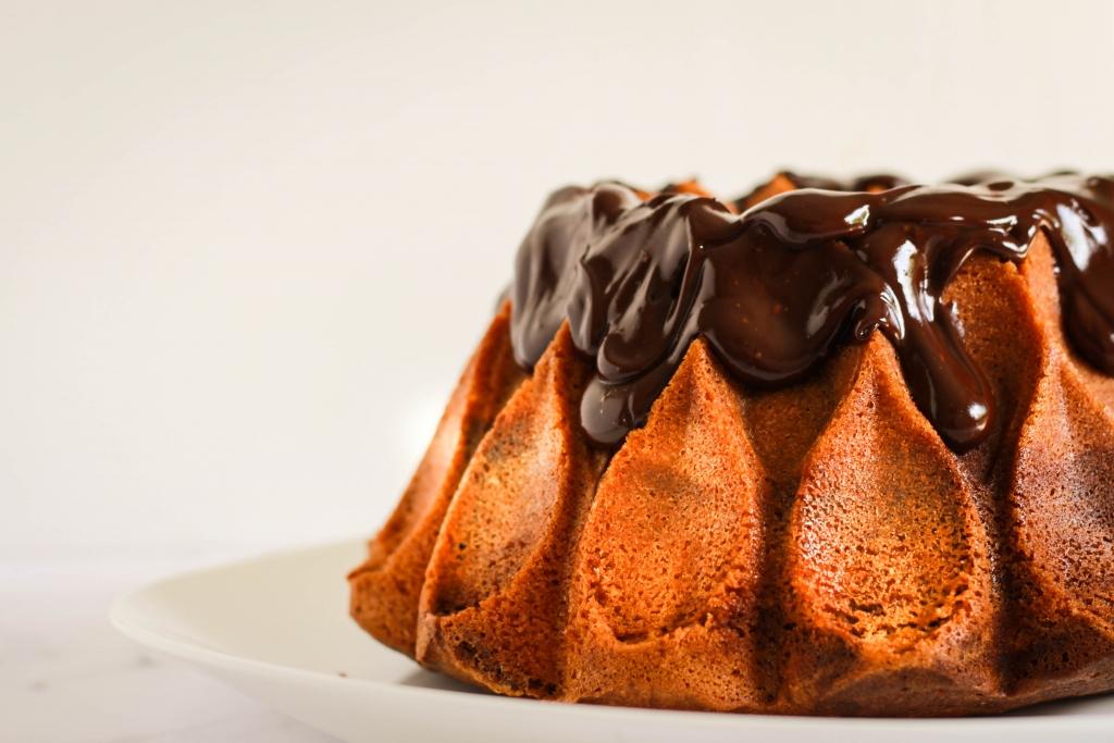 Tiramisu marmercake met chocoladeglazuur