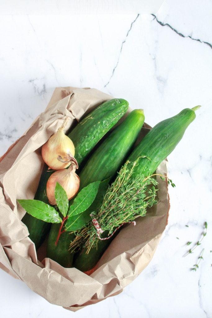 Komkommer, tijm, laurier en ui / www.eenlepeltjelekkers.be