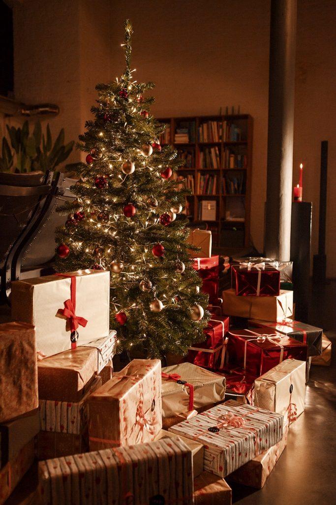 Kerstboom met pakjes / www.eenlepeltjelekkers.be