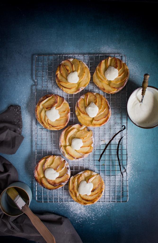 Normandische appeltaartjes met vanilleroom / www.eenlepeltjelekkers.be
