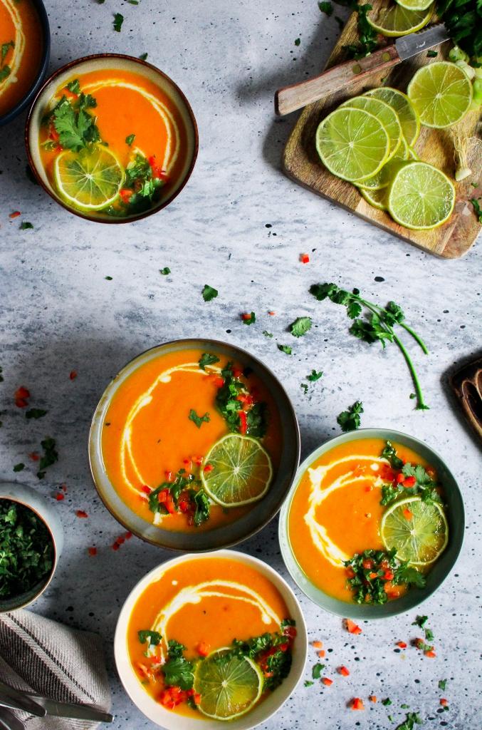 Thaise wortelsoep met koriander