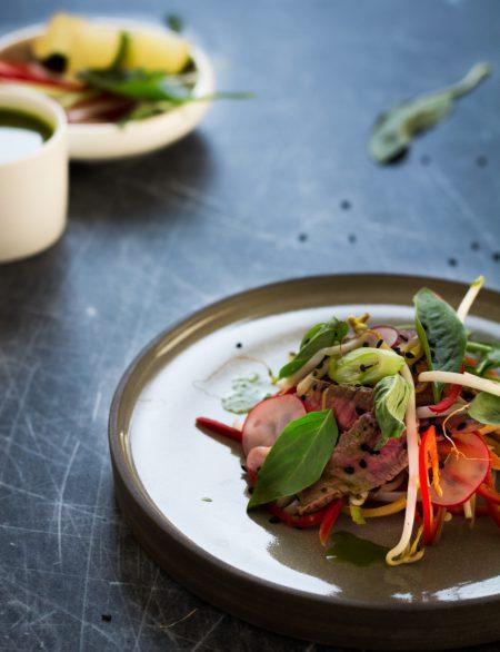 Thaise biefstuksalade met ingelegde groenten / www.eenlepeltjelekkers.be