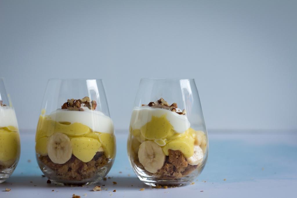 Bananendessert met pudding en zanddeeg_landscape / www.eenlepeltjelekkers.be