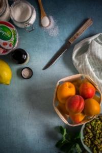 Gegrilde abrikozen met pistache en zure room - ingrediënten / www.eenlepeltjelekkers.be