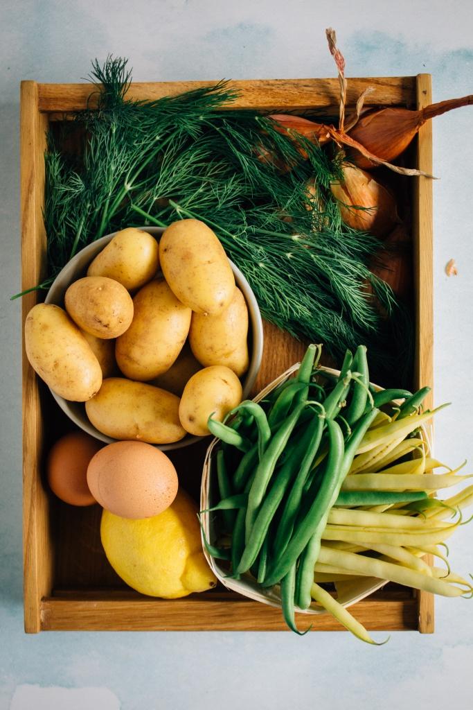 Aardappels, boontjes, eieren, citroen, sjalot en dille / www.eenlepeltjelekkers.be