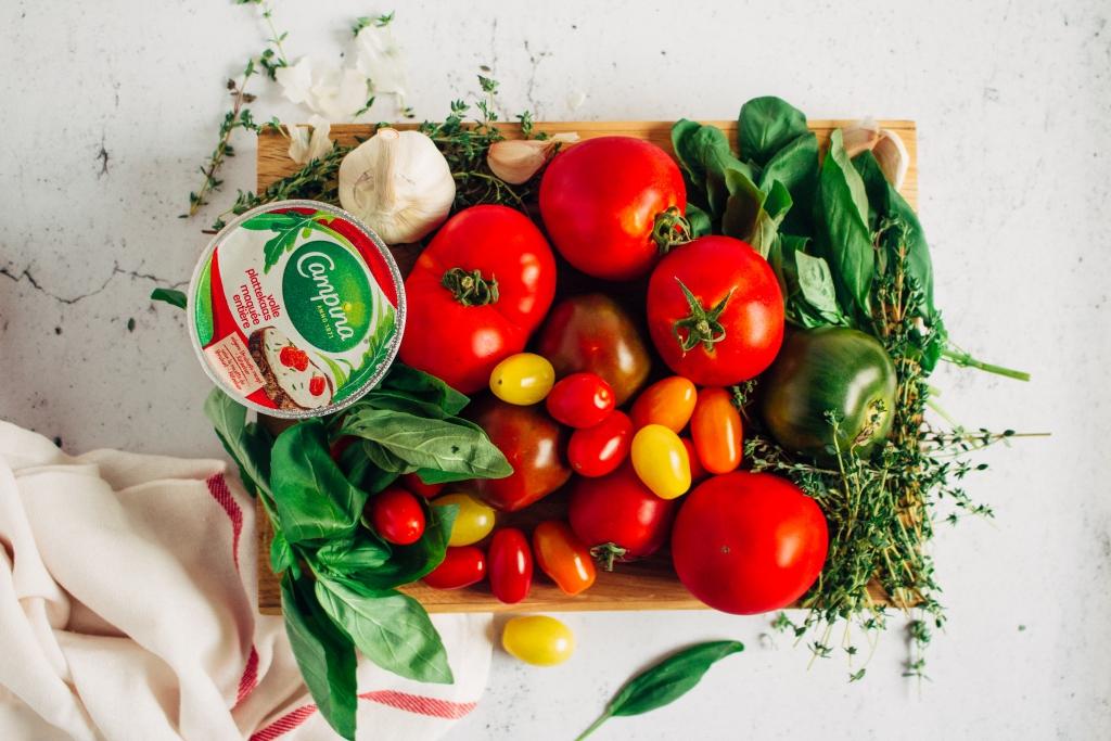 Tomatentaart met tuinkruiden - ingrediënten / www.eenlepeltjelekkers.be