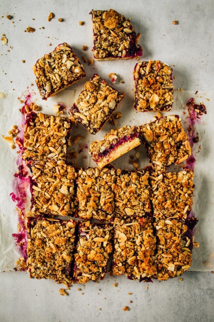Plaatkoek met pruimen en crumble / www.eenlepeltjelekkers.be
