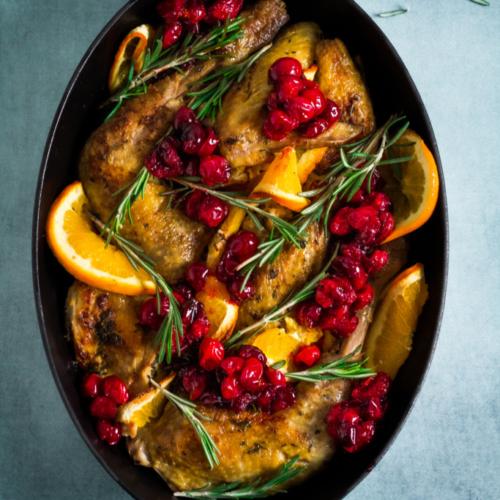 Parelhoen met sinaasappel, cranberry's en rozemarijn / www.eenlepeltjelekkers.be