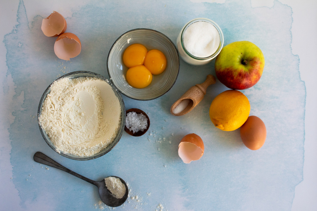 Appelcake ingrediënten liggend / www.eenlepeltjelekkers.be