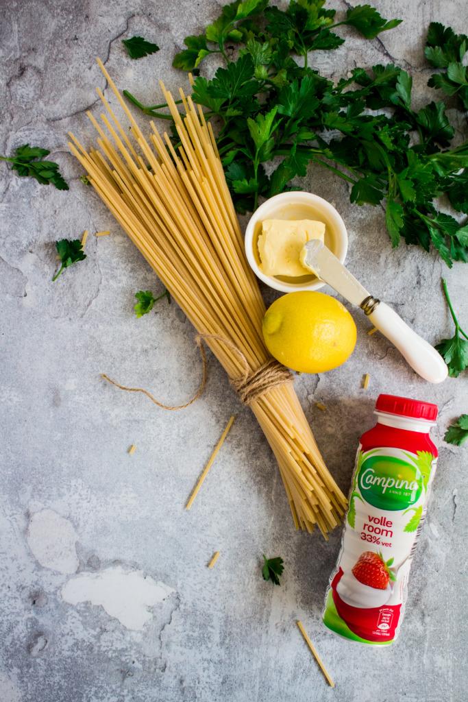 Ingrediënten pasta met tomaat en scampi / www.eenlepeltjelekkers.be