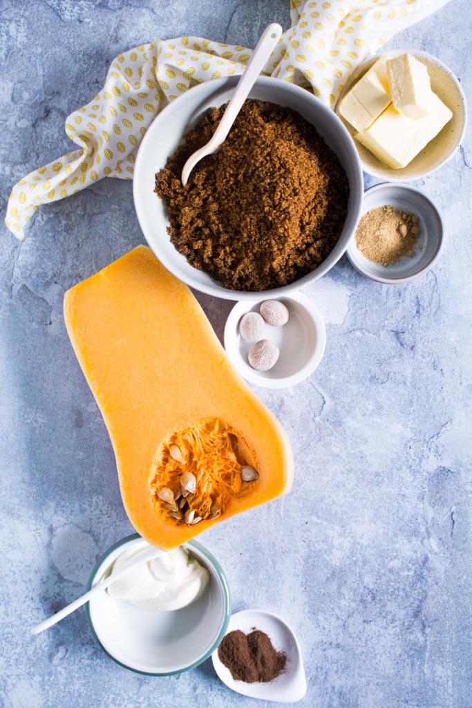 Pompoen, bruine suiker, boter, zure room en specerijen / www.eenlepeltjelekkers.be