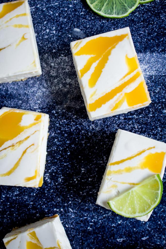 Kaastaart met mango stukje close-up / www.eenlepeltjelekkers.be