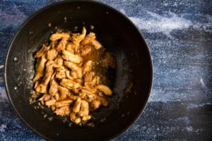 Kip wokken met de saus / www.eenlepeltjelekkers.be